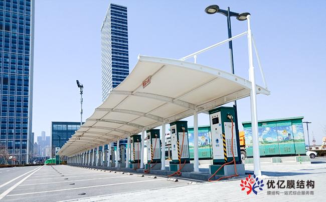 大连东港商务区充电站车棚