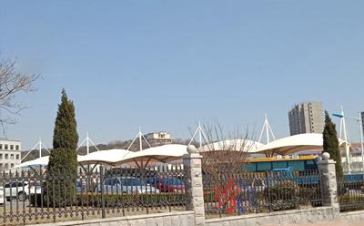大连监狱办公区大客车膜结构停车棚工程